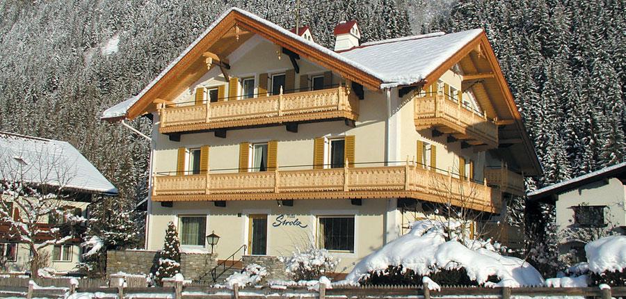 Austria_Mayrhofen_hotel_strolz_front.jpg